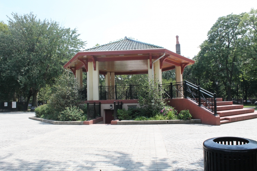 Gazebo at hailton park, jersey city